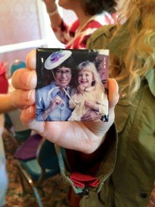 Motherless Daughters Memory Bash Magnet Holding Tight Picture